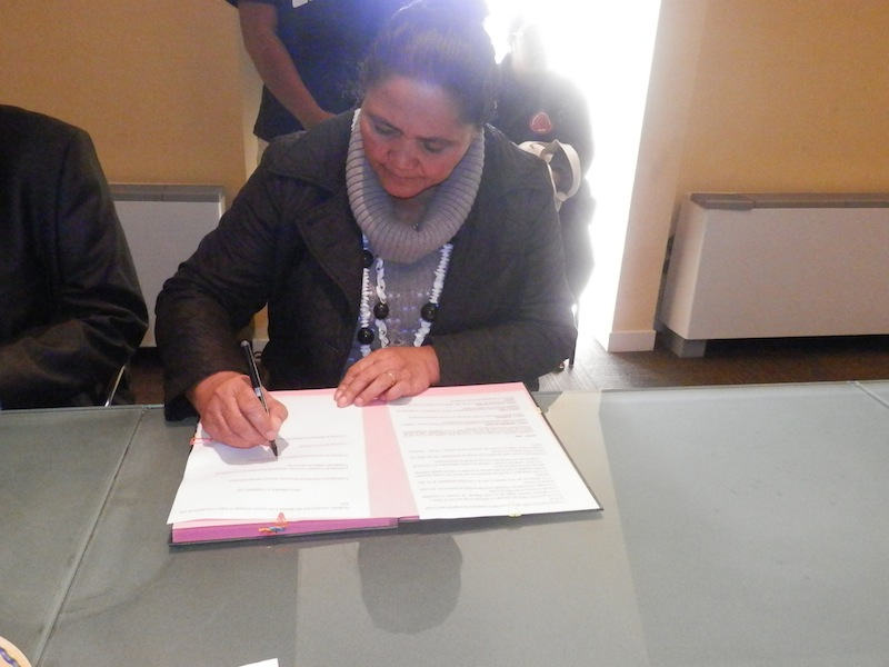Signature d'une convention au Conseil Régional du Limousin